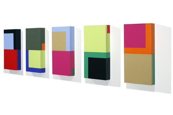 Domino 1A-1E, 2006, je 20 x 40 x 6 cm, Acryl auf Holz